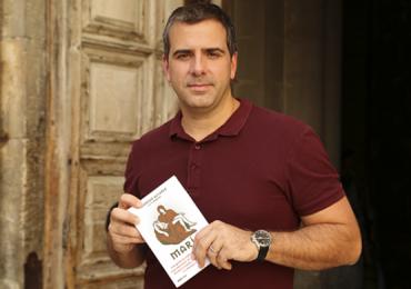 Rodrigo Alvarez, repórter da TV Globo, revela qual seu livro favorito