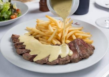 Para amantes do bife com batata: L'Entrecôte de Paris abre primeira unidade em Goiânia