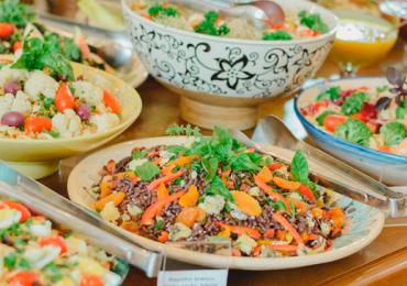 14 restaurantes por quilo em Goiânia pra comer com vinte e poucos reais
