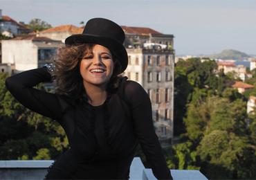 Maria Rita faz o coração do público batucar em Goiânia