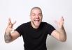 Victor Sarro apresenta stand up comedy em Goiânia