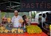 Jovem inova vendendo pasteis de desenho e faz sucesso em feira de Goiânia