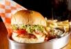 Brasília ganha inusitada hamburgueria em que o camarão é o carro-chefe
