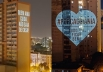 Conheça o 'Abraço à Distância', projeto que tem emocionado pessoas durante a quarentena em Goiânia