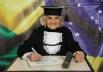 Mulher conclui faculdade aos 87 anos, em São Paulo
