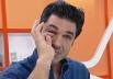 Larva aparece ao vivo em prato de apresentador e vídeo viraliza até na web internacional