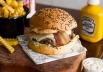 Hambúrguer de pequi é uma das novidades de estabelecimento de Brasília