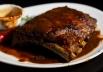 Bar de Brasília aposta em pratos da culinária norte-americana e transmissão de esportes variados