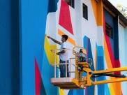 Artista entrega painel de 500 metros quadrados na Avenida Perimetral Norte em Goiânia