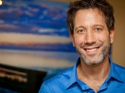 Psicoterapeuta Leo Fraiman faz palestra em Goiânia