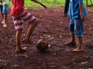 Jogo beneficente arrecada material escolar para crianças carentes de Goiânia