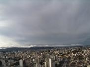 Baixas temperaturas e chuvas continuam durante a semana em Belo Horizonte
