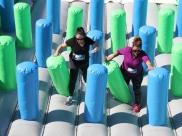 Sambódromo recebe o jogo mais famoso do mundo, com obstáculos gigantes e muita diversão