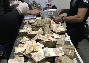 Polícia encontra mais de R$ 1 milhão escondido em porão da casa de João de Deus