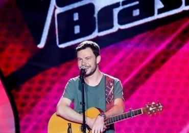 Ex-The Voice faz show com novos singles em Brasília