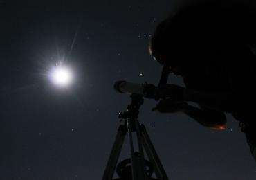 Uberlândia tem atividade de observação com telescópio aberta ao público