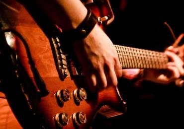Show comemora 20 anos de pop rock em Goiânia