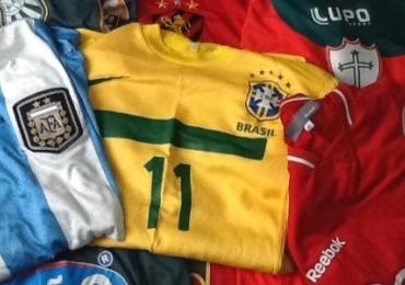 Goiânia recebe encontro de colecionadores de camisas de futebol