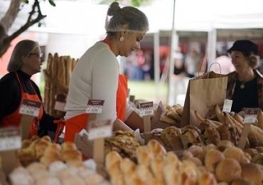 Evento gratuito em Brasília reúne mais de 20 embaixadas francófonas, com artesanato e gastronomia típica