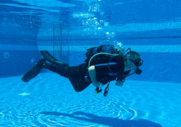 Aventura embaixo d'água: aula de mergulho gratuita é atração inédita em Uberaba