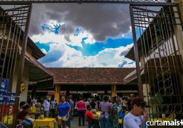 Programação gratuita com happy hour e música ao vivo no Mercado Popular da 74 agitam final de ano em Goiânia