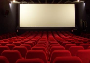 Escola de idiomas realiza sessões de filmes em Goiânia