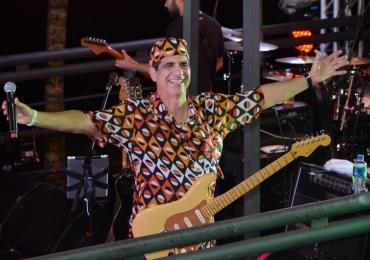 Durval Lelys faz show em Brasília