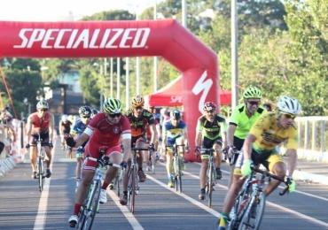 Parque do Sabiá recebe mais de 170 ciclistas para competição, em Uberlândia