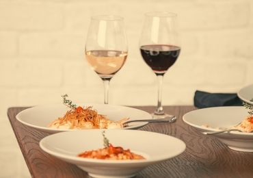 Restaurante em Brasília aposta em carta de vinhos com mais de 30 rótulos a partir de R$62