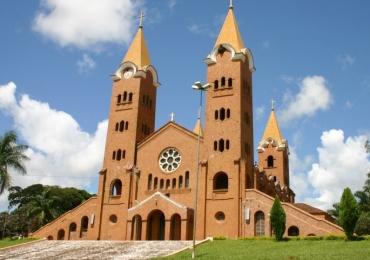 Lugar de fé e graciosidade, Romaria é um destino especial para visitar na Semana Santa a 90 km de Uberlândia