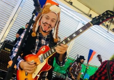 Banda goiana cria show Rock n' Roll Kids' com clássicos em versão infantil