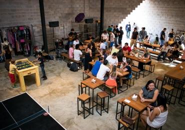 Cervejaria em Brasília convida músicos da cidade para celebrar o Dia Mundial do Rock