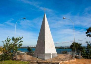 8 motivos para visitar a Ermida Dom Bosco em Brasília