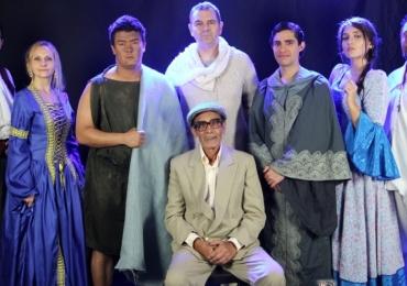 Espetáculo Emmanuel - A luz de Chico Xavier é atração de março em Uberlândia