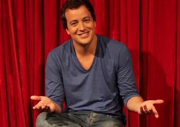 Humorista Rafael Cortez traz espetáculo gratuito de stand-up a Brasília