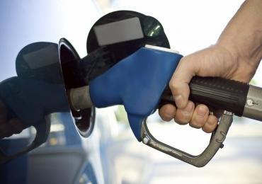 Posto que vendia gasolina a R$ 3,65 é interditado em Goiânia