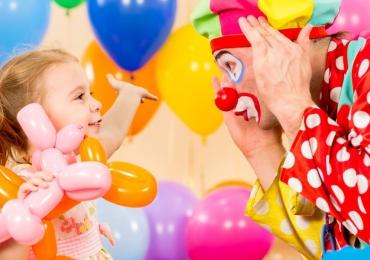 Mundo Mágico: Uma semana de espetáculos de circo e brincadeiras para as crianças