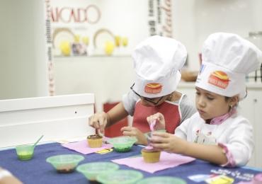 Shopping em Brasília organiza evento de Páscoa para as crianças