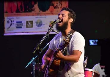 Luiz Porto faz show de graça nesta terça-feira em Goiânia