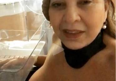 Roberta Miranda mostra seios em vídeo durante exame de mamografia