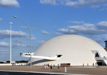 Brasília recebe exposição inédita de artista nipo-brasileiro