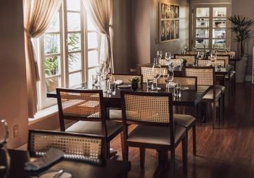 Meze Restaurante faz noite especial para comemorar os 4 anos em Goiânia