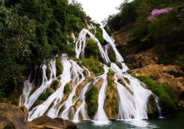 Mergulho na Cachoeira do Bisnau e vôo livre no Vale do Paranã proporcionam experiência única em viagem à Formosa