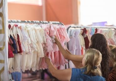 Bazar Mamãe Chic dá até 70% de desconto para economizar no enxoval do bebê em Goiânia