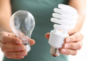 Celg distribui lâmpadas de LED gratuitas para moradores de Goiânia