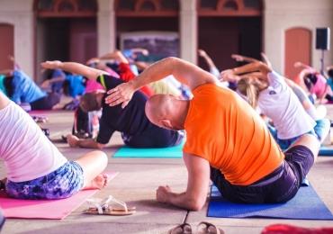 Durante o período haverá práticas de yoga, palestras, seminários e muito mais.