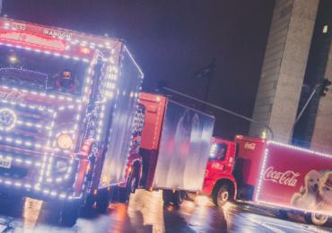 Natal: caravana iluminada da Coca-Cola começa a circular no DF ainda em novembro
