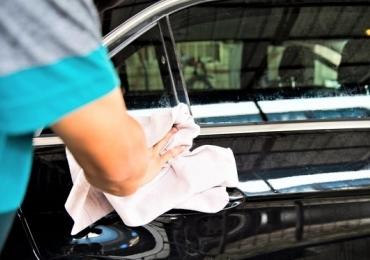 10 razões para lavar seu carro a seco!