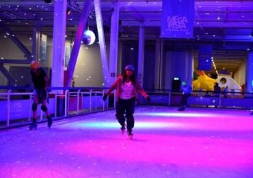 Parque da Cidade recebe mega pista de patinação no gelo