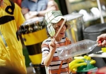 Evento de carnaval em Brasília tem feira de troca, oficinas, música e atividades para a criançada